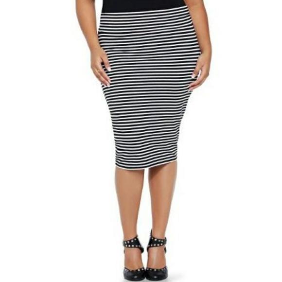 0f69698d77e5b Torrid striped pencil skirt. M 5a553a39739d484893066f64